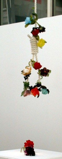 Megan Bottari, Noose from the Ned Kelly series, hot sculpted glass, rope