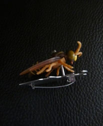 Ginger Bottari Waspish brooch, side view