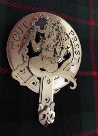 Ginger Bottari, Murray clan pin